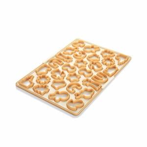 Šikovná sada na vykrajovanie medovníkov – zatlač raz, máš plech koláčikov!