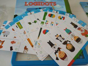 arček pre predškoláčku, darček pre predškoláka, hracka do auta, interaktivna hracka, logicka gracka, logicke hry pre predskolakov, rozvijame rozumove schopnosti, rozvijanie logiky predskolakov, tabulka na kreslenie pre deti, tabulka s perom, testovanie skolskej zrelosti